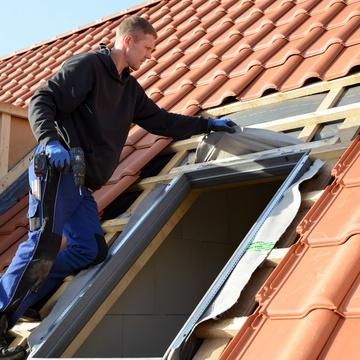 La pose d'une fenêtre de toit